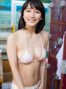 吉岡里帆の巨乳画像